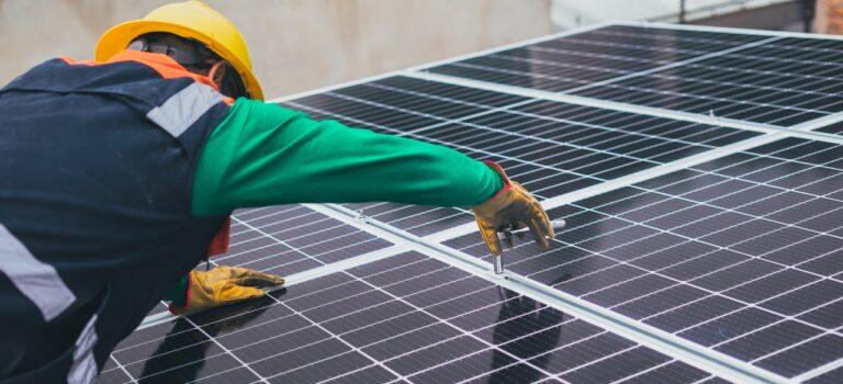 Solceller på taget – Er det en god ide og hvad er solceller egentligt?